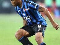 Muriel, a Cagliari la vittoria è di rigore. 100 gol in stagione, -1 dall'Inter terza
