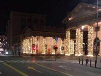 Le luminarie in centro a Bergamo e la voglia di un Natale normale, una giornata interminabile a tavola con le quindici persone che amo