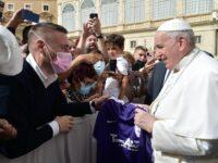 La Fiorente Colognola consegna la maglia ufficiale a Papa Francesco
